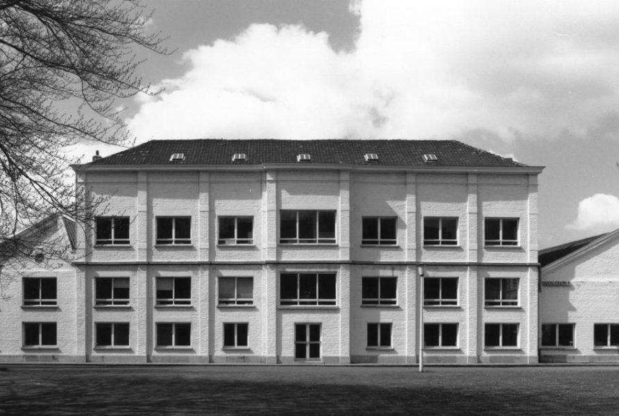 Rosas-Main-Building